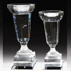スポーツの優勝カップに!|ずっしりとした重量感と高級感のある縦長タイプのカップですのでトロフィーカップとして一般的な馴染みのある形状で御座います。|カップDC-A|クリスタル盾|記念品.com