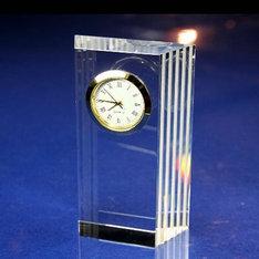 コンパクトな縦型のクリスタル時計です。|コンパクトな縦型のクリスタル時計です。|mini|クリスタル時計|記念品.com