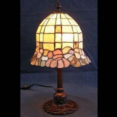 |中国では古来より玉石を希少品として珍重されてきました。その石を使ったランプから出る柔らかな光は、まさに癒しの光を演出致します。 (天然石ゆえ全てのピースにバラつきが有ります。)|XZL08-A|ティファニー調|記念品.com