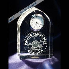 大規模な博覧会の記念品に!|写真商品は大量オーダーの特注商品のサンプルとしてご覧くださいませ。 サイズ・形状...|サイズフリー|クリスタル時計|記念品.com