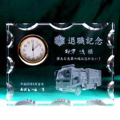 消防車の写真もガラスの中に!|記念品.com