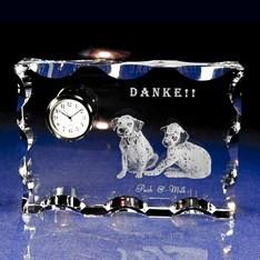 1個から作成!おしゃれな時計の中に思い出の写真が浮かぶ♪|信頼のセイコー社ムーブメントを採用した高品質でカットがおしゃれなクリスタルガラスを使用。|カットスクエア|クリスタル時計|記念品.com