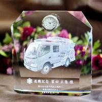 消防車・消防章を入れた時計。|弊社納品実績とお客様の声|消防退職記念品|予想以上の仕上がりと完成時期に大変満足しております。