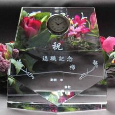 人気のペンタゴン形状の表彰用クリスタル時計|チョッと大型で人気のペンタゴン形状の表彰用クリスタル時計|DT-13レーザー|クリスタル時計|記念品.com