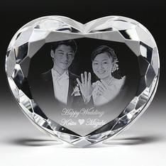 結婚祝いに|ハート型のキュートな2Dクリスタルの置物です。 |ハート型|結婚記念品|記念品.com