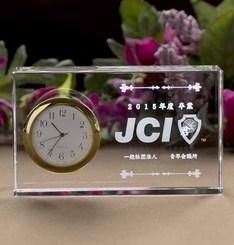 創立記念品に最適!この価格で1個からオーダー可能。|写真加工サービス中!期間限定価格!! 信頼のSEIKO製時計! このサイズと品質...|DT-5N|クリスタル時計|記念品.com