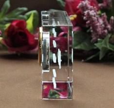 ガラスの中に文字・デザインが浮かぶ。|記念品.com