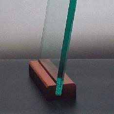 ガラス厚さ1cm(台座部木製)|記念品.com