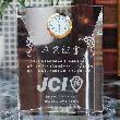 日本青年会議所(JCI)卒業記念品専用デザイン:クリスタル時計|DT-22L-レーザー